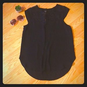 🛍 5 for $25 🛍  Super Cute Black Top